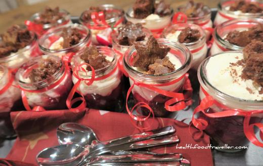 Dessert Cherrycompote with Mascarpone cream and cinnamon Stars 2