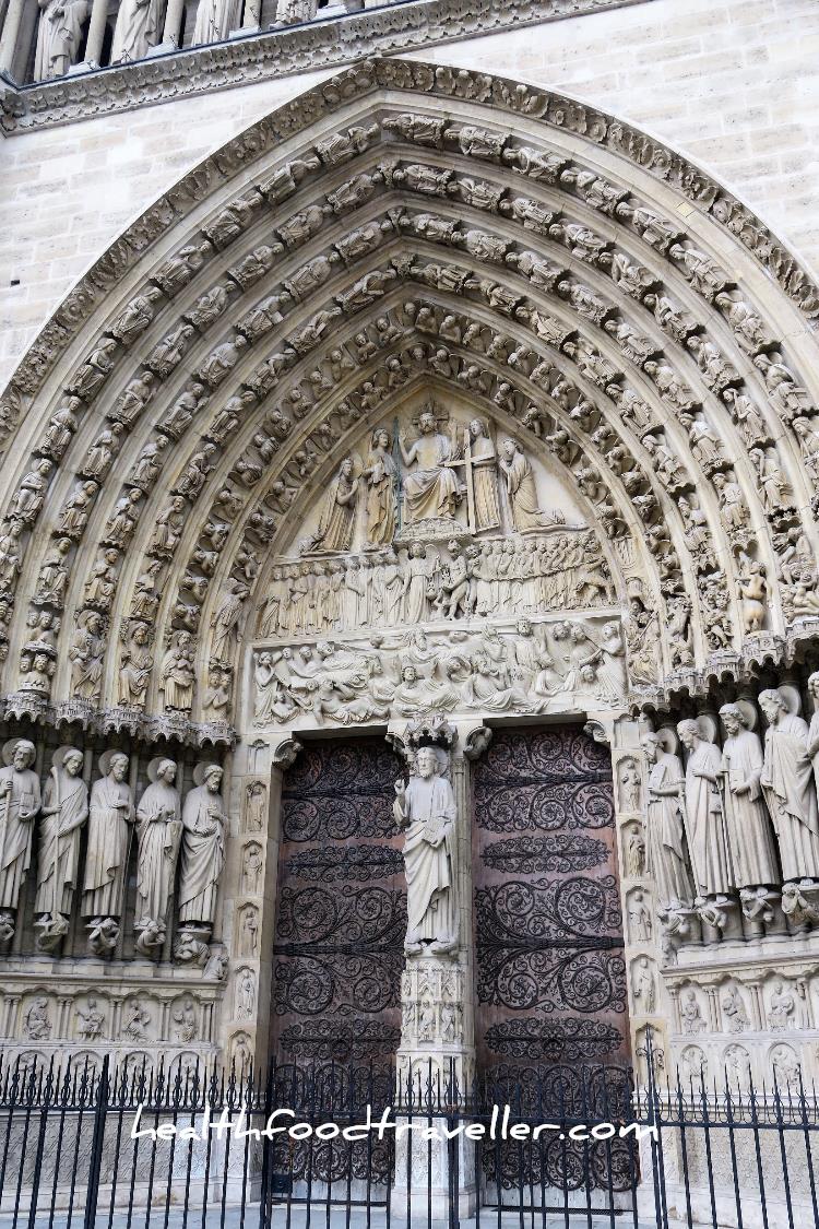 Notre Dame Door detailled
