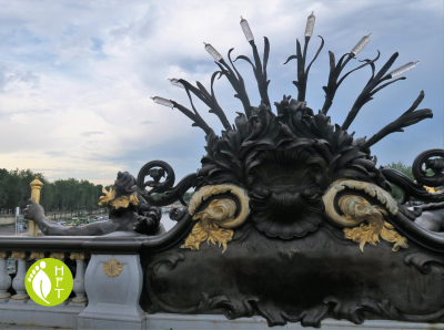 Nymphs of Pont Alexandre III back view