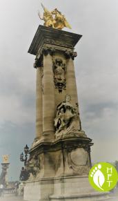 Paris Pont Alexandre III Fames 2