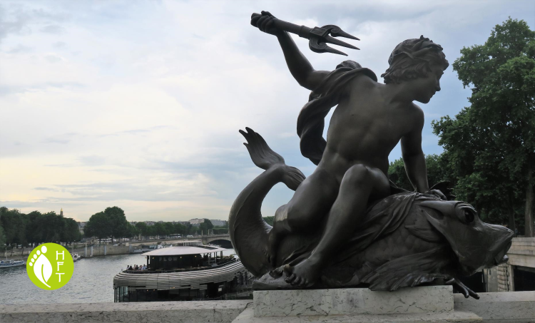 Sculpture on Pont A;exandre