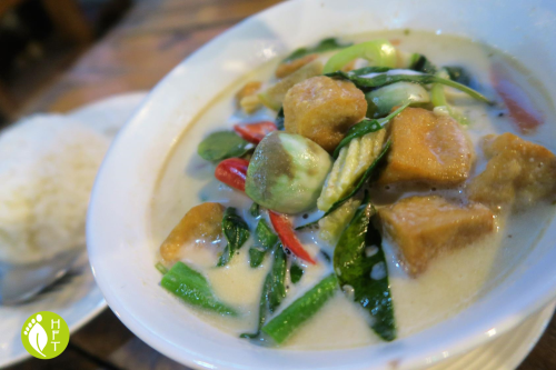 Cafe del Sunshine Lonely Beach Thai vegan green curry