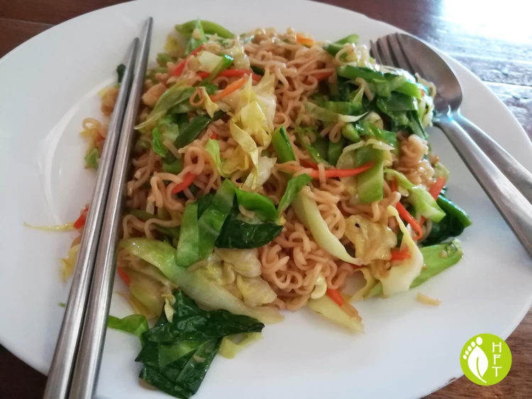 Cafe del Sunshine Lonely Beach vegetarian Fried Yellow Noodles