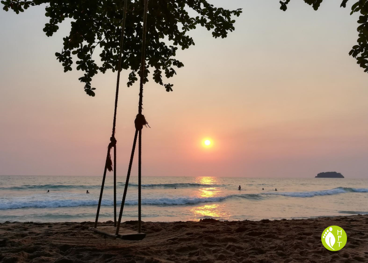 Koh Chang white sand Lonely Beach sunset 2